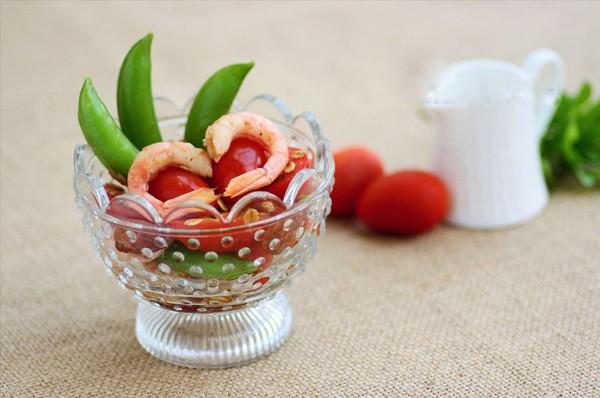Salad tôm cà chua làm dễ ăn ngon 8