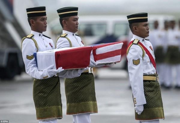 Đẫm nước mắt tang lễ 2 phi công vụ MH17 15