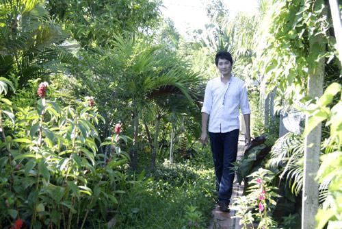 Ngó nghiêng nhà đẹp của Nguyễn Phi Hùng 23