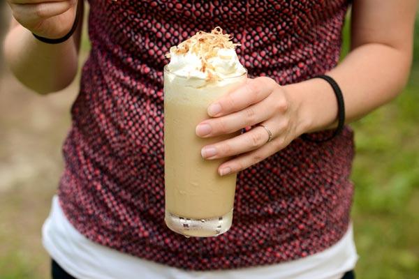 Tự làm kem cà phê dừa nạo mát lịm người 12