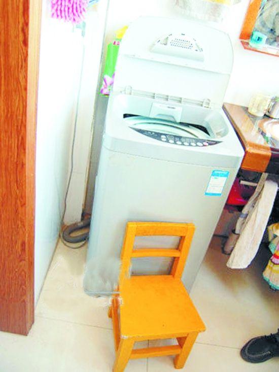 Kinh hoàng hai bé gái bị máy giặt quay đến chết 2