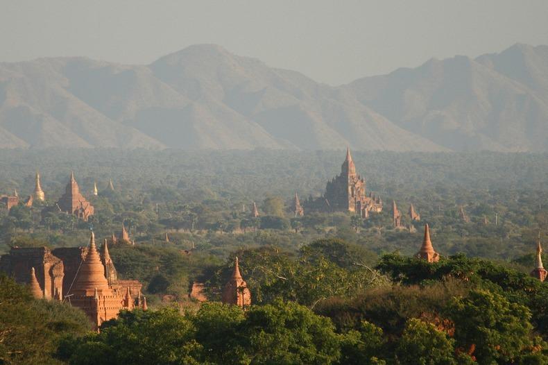 Bagan, xứ sở của hàng ngàn ngôi đền bị lãng quên 9