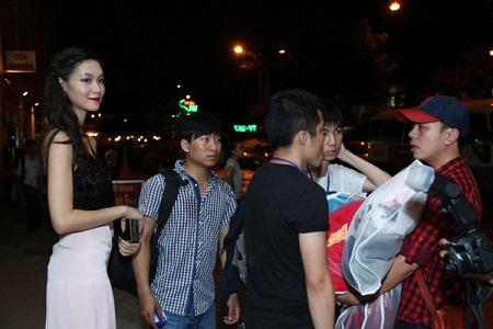 """Hoa hậu Thùy Dung bức xúc bỏ show """"trai đẹp Omar"""" vì bị phân biệt đối xử 8"""