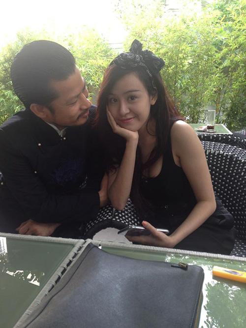 Sốc với ảnh ôm ấp của Bà Tưng và ông Tưng Hùng Cửu Long 1
