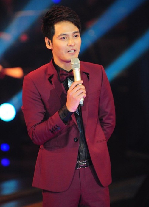 MC Phan Anh mắc lỗi sơ đẳng khi dẫn The Voice 1