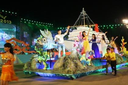 Ngắm hình ảnh rực rỡ tại lễ hội Carnaval Hạ Long 2013 14
