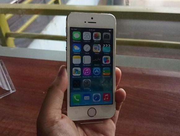 iPhone 5S đầu tiên tại Sài Gòn được bán với giá 52 triệu 2
