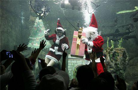 Không khí Giáng sinh nhộn nhịp khắp thế giới 12