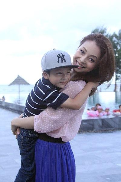 Jennifer Phạm đã hạ sinh công chúa 2