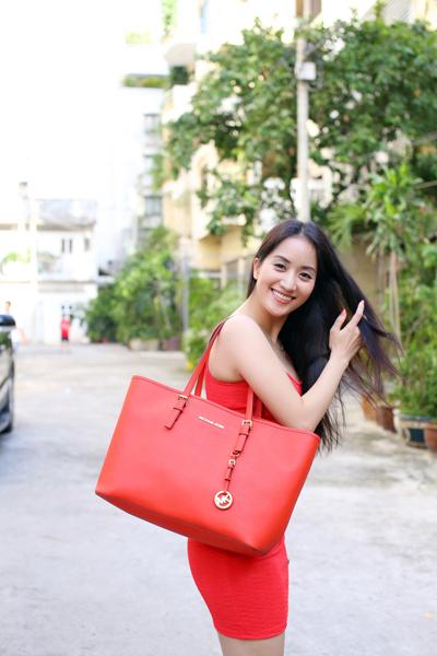 Khánh Thi váy đỏ khoe đường cong quyến rũ 3