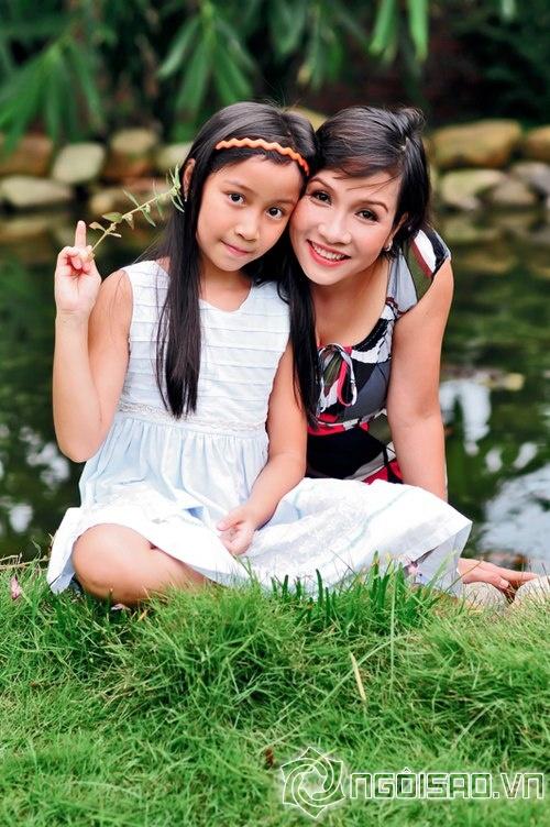 """Những cuộc """"xâm lăng"""" kín mặt báo của 3 đại gia đình sao Việt 16"""