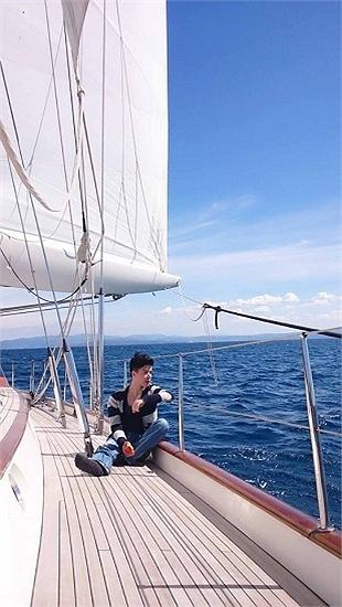 Thu Minh tình tứ chồng tỷ phú trên du thuyền hạng sang 4