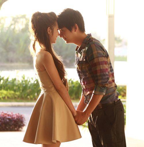 5 cặp tình nhân 'mật ngọt' của showbiz Việt 10