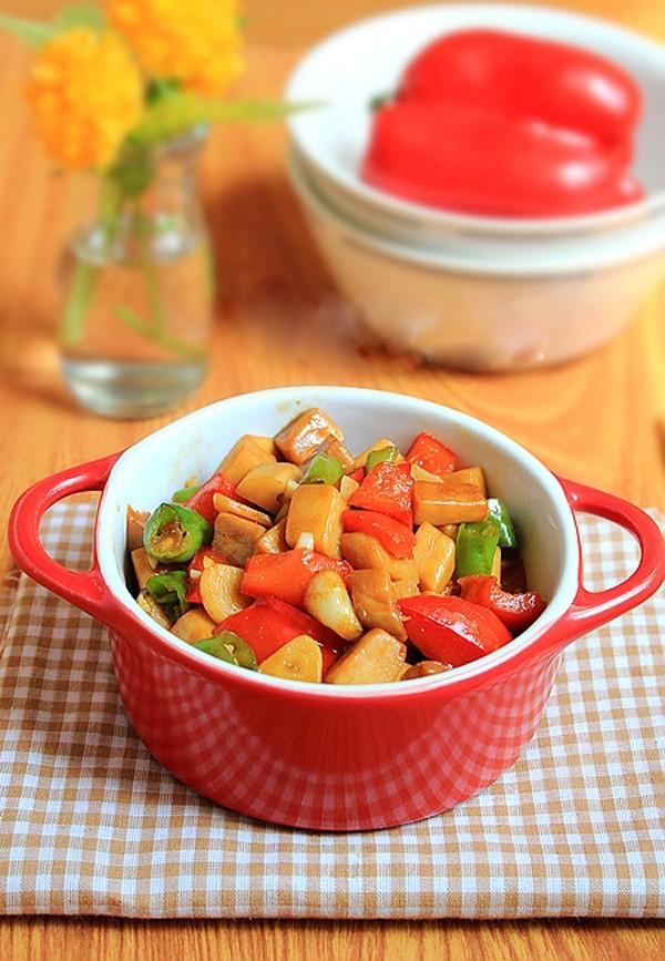 2 món xào ngon đầy màu sắc cho bữa chiều 10