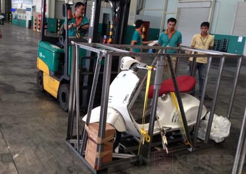 Cơn sốt Vespa 946 tại Việt Nam 2