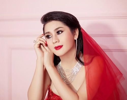 Lâm Chi Khanh xinh đẹp trong váy cưới đỏ rực 2