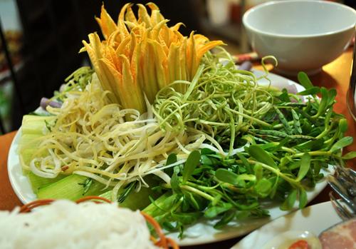 Lẩu mắm hải sản thơm nức mũi phố Phan Chu Trinh 6