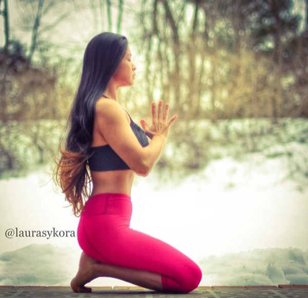 """Chùm ảnh đầy cảm hứng của """"bà mẹ Yoga"""" dáng siêu đẹp 19"""