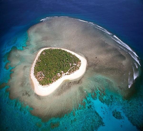 Những hòn đảo hình trái tim tuyệt đẹp trên thế giới 9