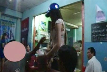 Những hành động lố bịch của thiếu nữ Việt 8