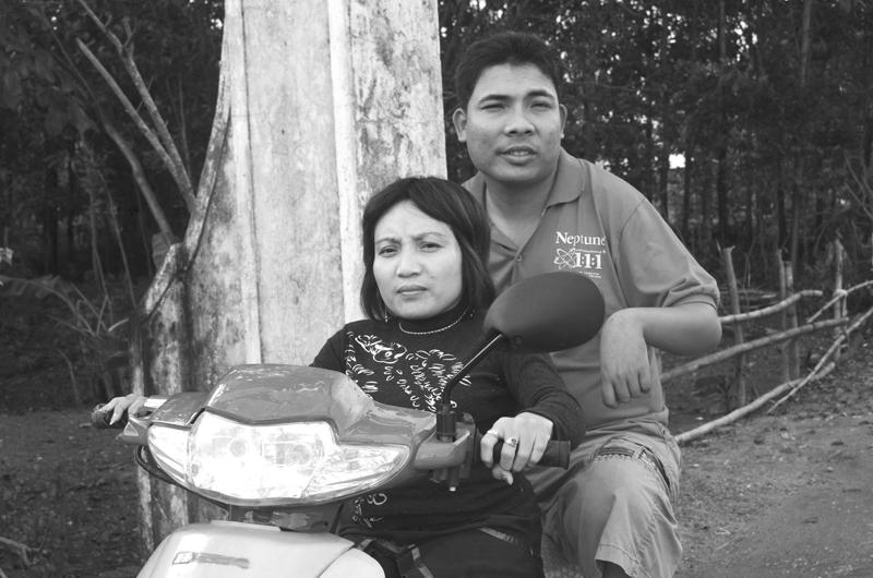 """Chuyện tình """"đôi đũa lệch"""" đẹp như cổ tích của cặp vợ chồng Việt 2"""
