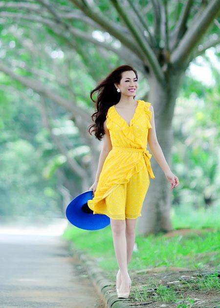 Hoa hậu Yến Nhi duyên dáng cùng nón thu 6
