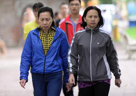 Người Hà Nội ngày đầu mặc áo rét 5
