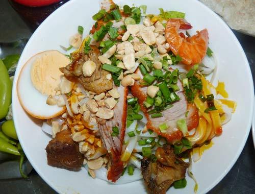 Khám phá 10 món ăn hấp dẫn nhất Đà Nẵng 1