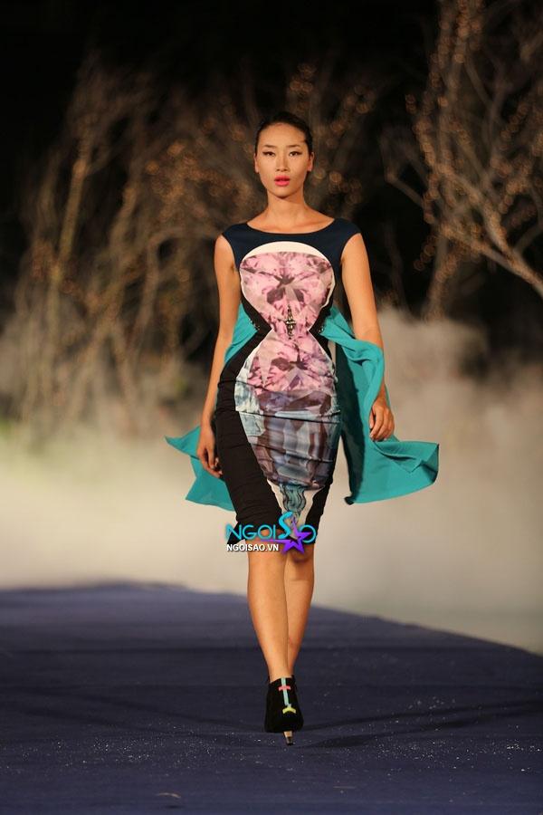 Hoa hậu Thùy Dung, Diễm Hương quyến rũ trong trang phục màu sắc 11