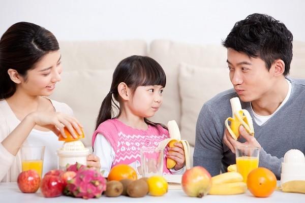 Những chất mẹ cần bổ sung khi trẻ biếng ăn 1