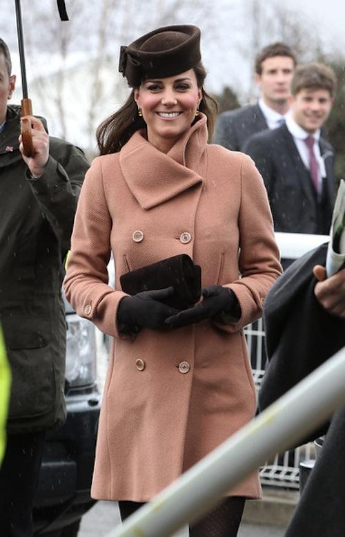 Khám phá bộ sưu tập túi lịch lãm của công nương Kate Middleton 3