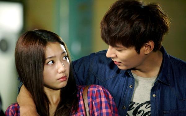 """Hot boy Kim Tan bị """"kích thích"""" khi hôn Park Shin Hye 3"""