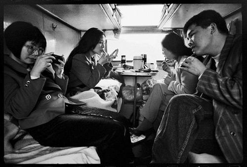 Cuộc sống muôn màu trên những chuyến tàu xưa 3
