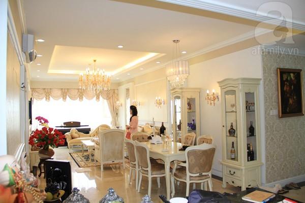 Mê mẩn căn hộ mang phong cách hoàng gia ở Sài Gòn 6