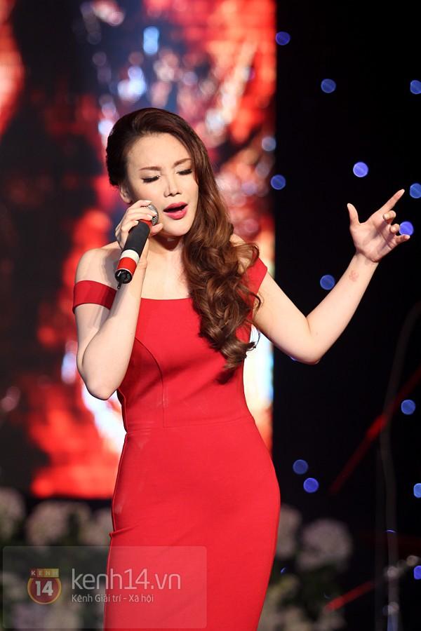 Hồ Quỳnh Hương bất ngờ thi tốt nghiệp 11