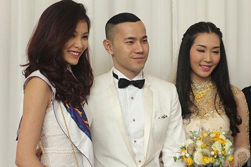 Ngắm hoàng tử bé trong đám cưới Á hậu Thùy Trang 13