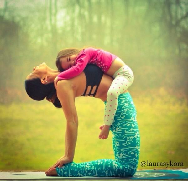"""Chùm ảnh đầy cảm hứng của """"bà mẹ Yoga"""" dáng siêu đẹp 6"""