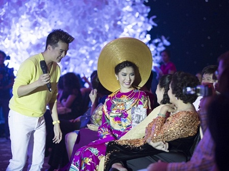 Sao Việt chứng tỏ sức ảnh hưởng bằng đấu giá từ thiện 17