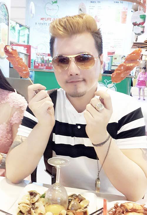Lộ ảnh thân mật của hoa hậu Triệu Thị Hà và cháu trai quý bà Kim Hồng 6