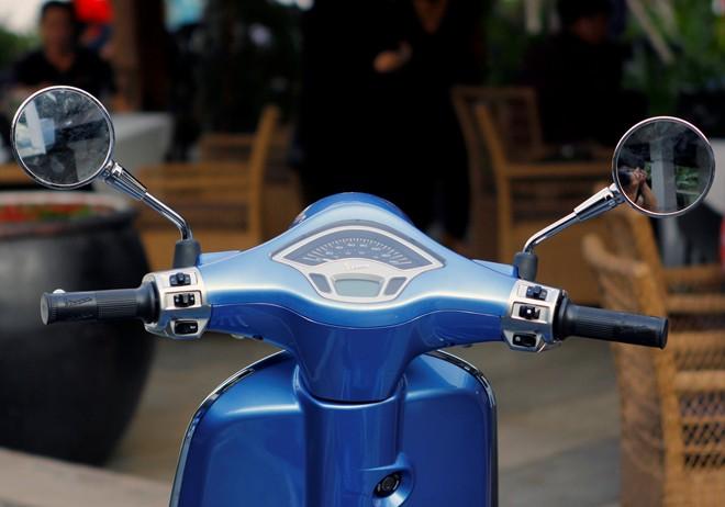 Cận cảnh Vespa Primavera - mẫu xe thay thế LX tại Việt Nam 11