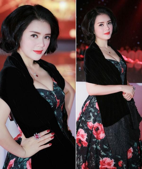 Kiều nữ Việt xinh lung linh với dáng váy xoè 1