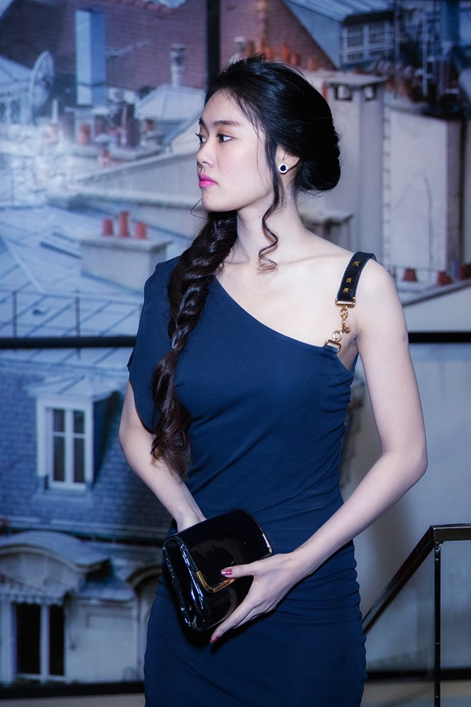 Minh Hằng váy hở táo bạo đi dự tiệc cuối năm của Lý Nhã Kỳ 10
