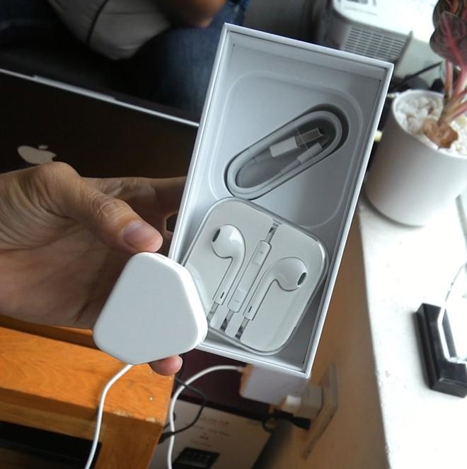 iPhone 5S đầu tiên tại Sài Gòn được bán với giá 52 triệu 7