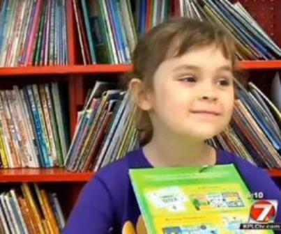 Bé gái 5 tuổi đọc hết 875 cuốn sách trong 1 năm 1