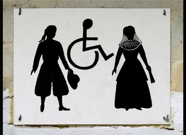 Những biển hiệu toilet kỳ quặc trên thế giới 1