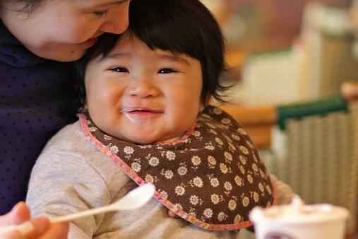 8 vấn đề khiến mẹ đau đầu khi cho bé ăn 2