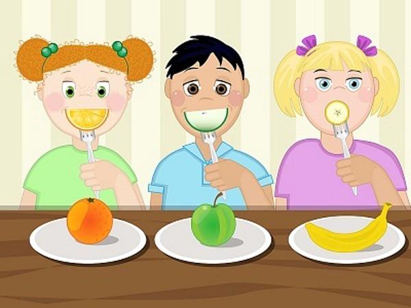 6 điều cha mẹ đừng nên làm với bữa ăn của bé 2