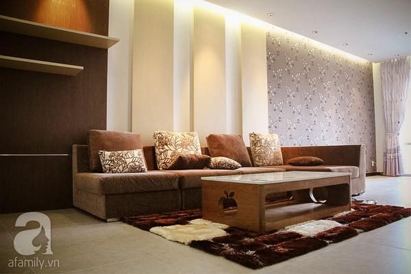 Ngắm căn hộ sang trọng với nội thất tông trầm ở TP Hồ Chí Minh 1