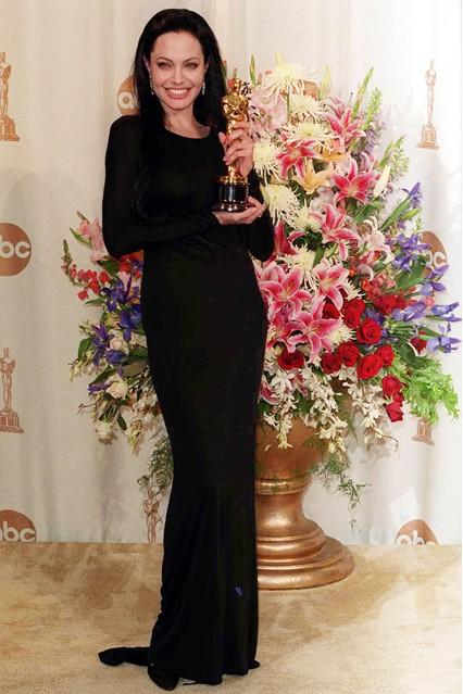 Gu thời trang đáng nhớ của Angelina Jolie 4