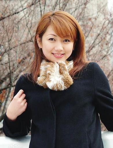 Ngắm vẻ đẹp hoàn hảo của nữ tỷ phú trẻ nhất Trung Quốc 4